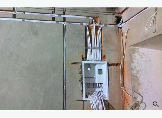 Услуги электрика по электромонтажным и ремонтным работам в Омске Фото 4