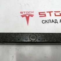 З/ч Тесла. Упор настила багажника (пенопласт) Tesla model X, в Москве