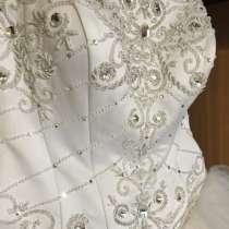 Продам свадебное платье, в Ачинске
