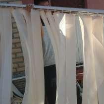 Жалюзи б/у в отличном состоянии 2 шт по 3 метра потолочные, в г.Кызылорда