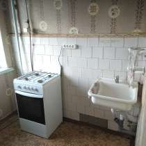 Продается квартира 2х комнатная район жд вокзала 2-ой этаж, в Троицке