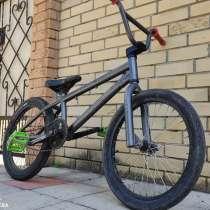 Продается велосипед ВМХ, в г.Стаханов