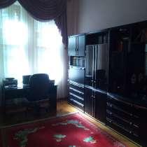Продам 4-х комнатную квартиру на ул. Троицкая, в г.Одесса