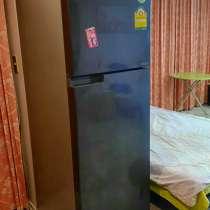 Большой холодильник Toshiba в хорошем состоянит, в г.Паттайя