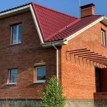 Продается ДОМ в элитном коттеджном поселке, 12 соток земли, в Омске