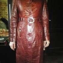 Кожаный плащ женский размер 44-46, в Санкт-Петербурге
