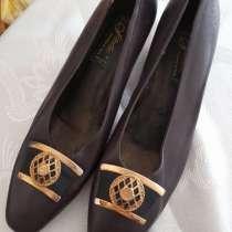 Женская обувь. новая размер 39-40.уточняйте, в Москве