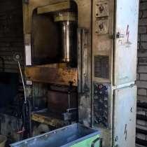 Пресс гидравлический для изготовления изделий из пластмасс Д, в Нижнем Новгороде