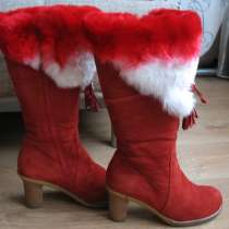 Зимние сапоги красного цвета, в Екатеринбурге
