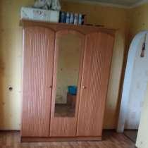 Продам мебель (оба предмета за 4000 руб.), в г.Донецк