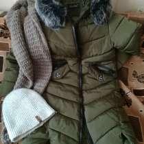 Пальто, снуд, шапка всё зимнее, в хорошем состоянии, в г.Орша