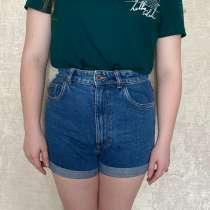 Продам джинсовые шорты, в Хабаровске