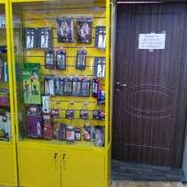 Шкафы витрины как в евросети 2 штуки, в Иркутске