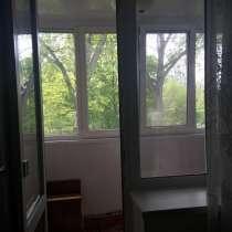 Двухкомнатная квартира с кирпичным сараем и бетонир.погребом, в Лермонтове