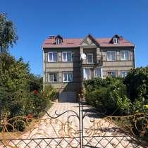 Продается двухэтажный дом 360 кв. м, с видом на море, в Саках