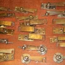 Коллекция старинных оконных ветровых крючков, в Владимире