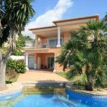 Недвижимость в Испании, Вилла с видами на море в Морайра, в г.Calp