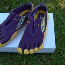 Кросівки з пальчиками, в г.Украинка