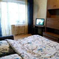 2 комнатная на Дарнице посуточно 5 минут метро пешком, в г.Киев