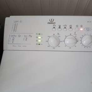 Продам стиральную машину Индезит на запчасти, в Хабаровске