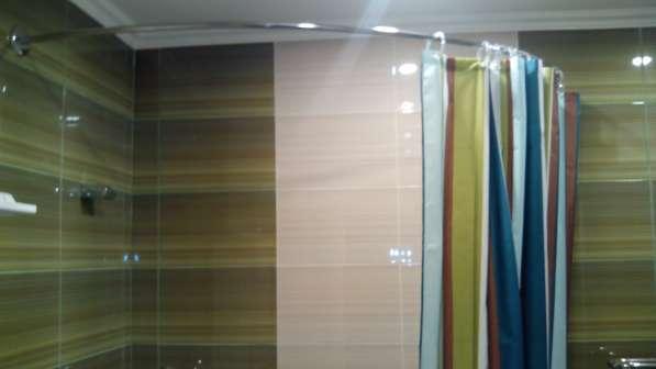 Карнизы, штанги, перекладины для шторки в ванную