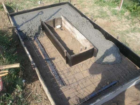 Заливка фундамента на могиле Любань в фото 3