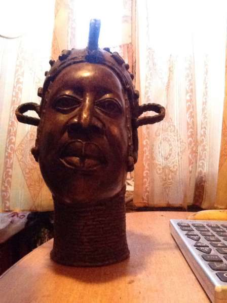 Бронзовая голова африканца