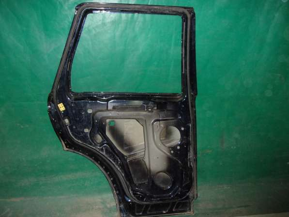 Дверь задняя Left Range Rover Sport 1