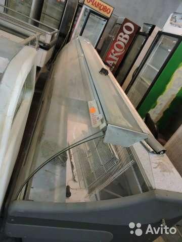 торговое оборудование Большая холодильная витри