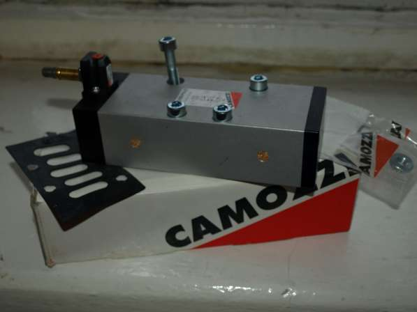 CAMOZZI 953
