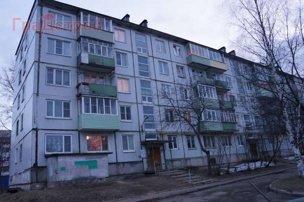 Продам трехкомнатную квартиру в Вологда.Жилая площадь 50 кв.м.Дом панельный.Есть Балкон.