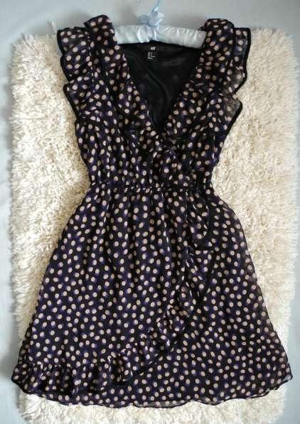 Шифоновое платье с воланами с запахом H&M