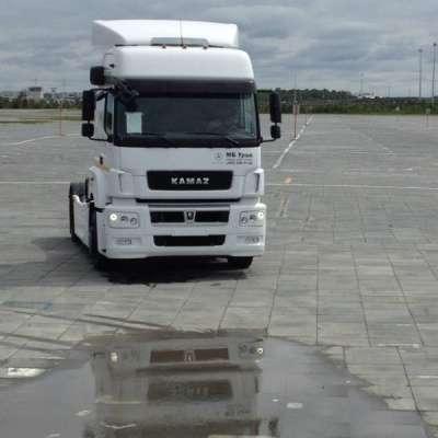 грузовой автомобиль КАМАЗ 5490