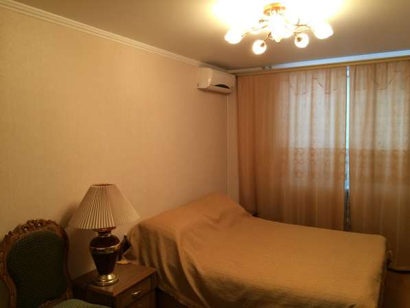 Продам двух комнатную квартиру в Севастополе у моря