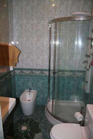 Меняю элитный дом в Севастополе на недвижимость в др. странах в Симферополе фото 17