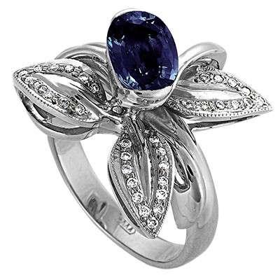 Серебрянное кольцо с бриллиантами и сапфиром, новое