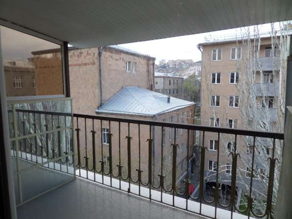 In the center of Yerevan:В центре Еревана:270 q. m в фото 3