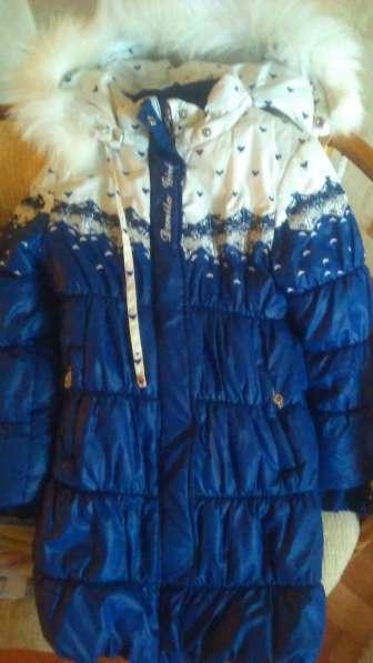 Продам зимнее пальто на девочку 5-6 лет