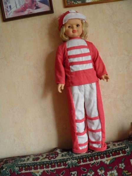 Шикарную большую куклу в отличном состоянии в Анапе фото 3