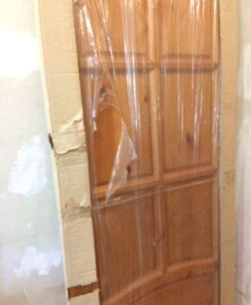 Деревянная дверь в Казани