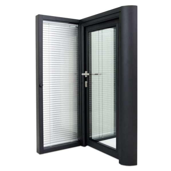 Перегородки и двери из алюминиевого профиля в Казани фото 7