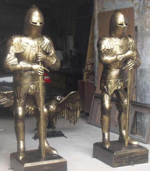 Два рыцаря из металла