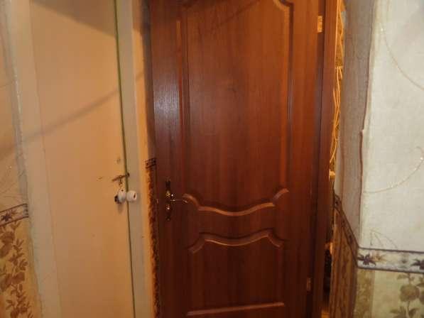 Дверь новая, шпонированная, с коробкой и наличником