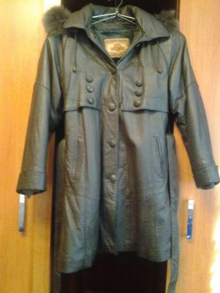 Продам Женскую Кожаную Куртку с Подстёжкой, Размер 48-50
