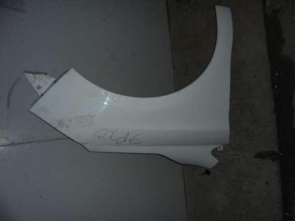 Крыло переднее правое на С4 (Citroen C4)