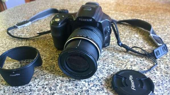Продам цифровую фотокамеру FUJIFILM FinePix S6000fd
