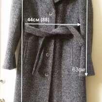 Пальто демисезонное с поясом, р.48, новое, в г.Брест