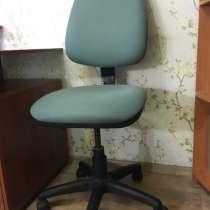 Компьютерный стол и стул, в Владимире