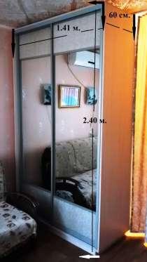 Продам зеркальный шкаф-купе и шкаф в прихожую, в Адлере