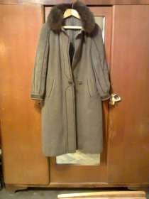Продается пальто зимнее женское, 48 р, в Санкт-Петербурге